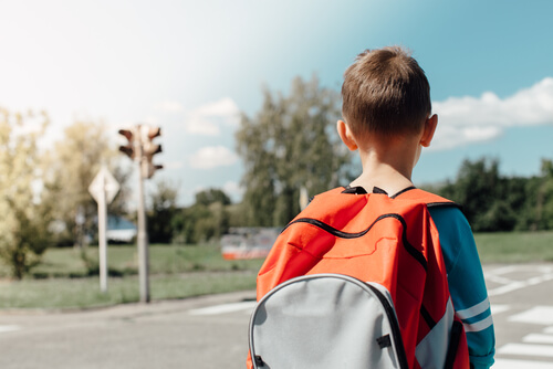 Drošība uz ceļa skolēniem brīvlaikā: Ko der zināt?