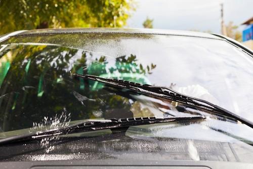 auto logu šķidrums