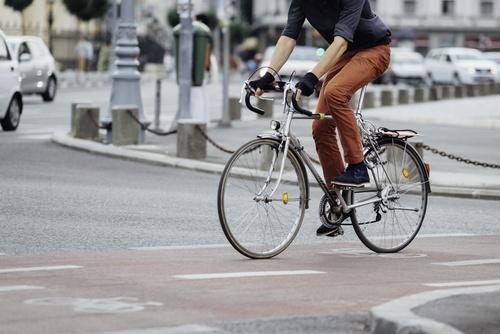velosipēdists ceļu satiksmē