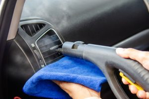 Auto kondicioniera tīrīšana