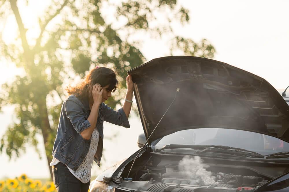 Auto pārkaršana: Kas to izraisa un kā no tā izvairīties?
